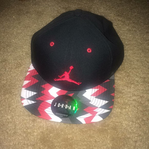Jordan Accessories - Jordan retro 7 snap back hat black white red 17b02136aed